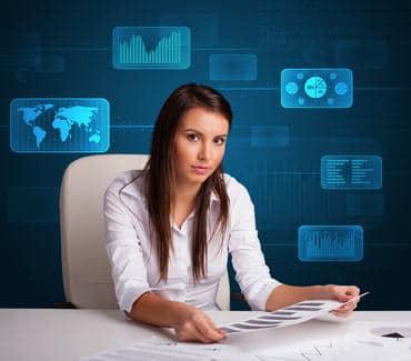 Bizneswoman robi dokumenty firmowe